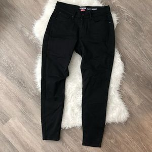 Denizen Levi Curvy Skinny Black Jeans - NWOT